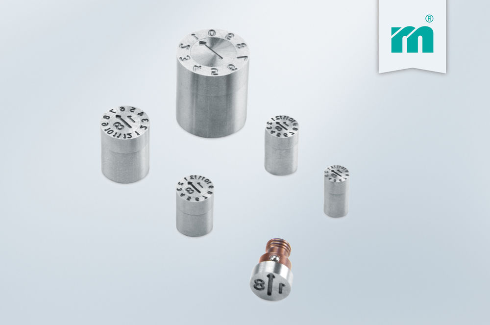 Stamps with latching function for even higher process reliability